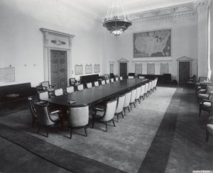 US_Federal_Reserve_Board_room_1940