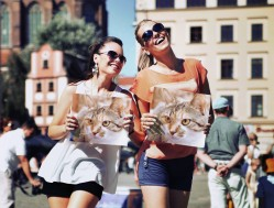 PhotoFunia Two Girls Regular 2016-06-04 09 57 13
